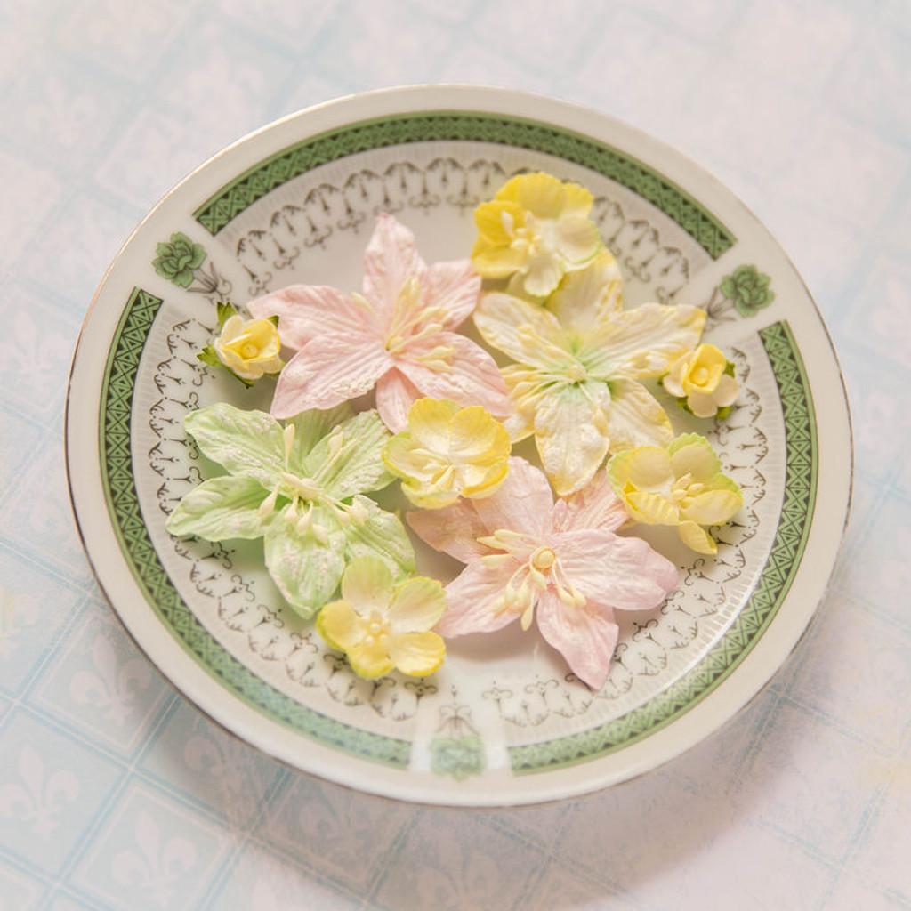 Blue Fern Studios - Radiance Flowers - Radiant Blooms (FLW RB 688476)