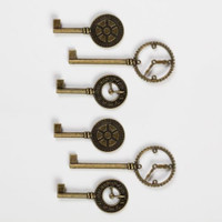 Graphic 45 Staples Metal Clock Keys (G4501293)