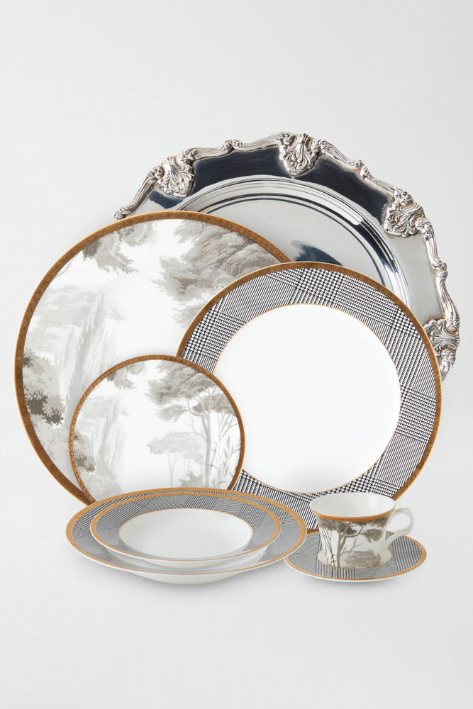 SILVER PLATED ST. JAMES CHARGER PLATE
