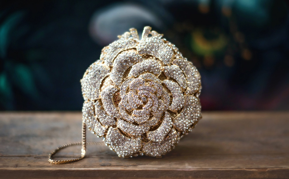 SPARKLY WHITE ROSE GOLD CLUTCH