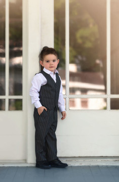 BOYS HEDWORTH SUIT GREY BANKERS STRIPE 3PC. SET