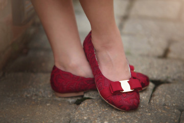 AMY SHOE CRIMSON