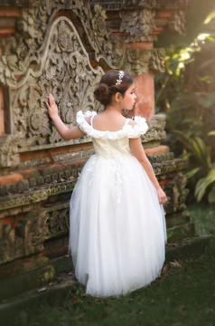 BELLE GOWN WHITE