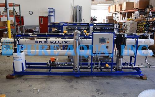 Montaje de ÓI Industrial Para Agua Potable 72,000 GPD - Filipinas