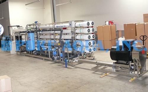 Unidad Ósmosis Inversa Industrial para Agua Salobre 130,000 GPD - Omán