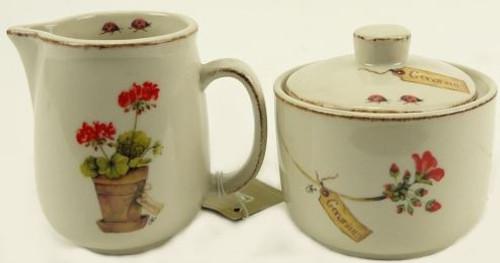 Geranium Sugar Bowl & Creamer Set