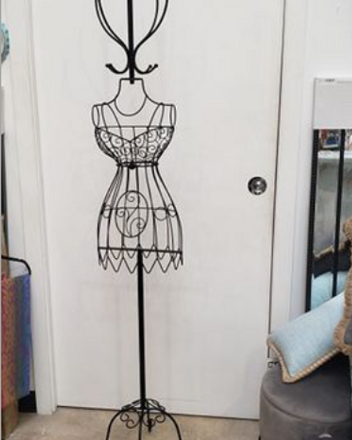 Lux Clothes Stand