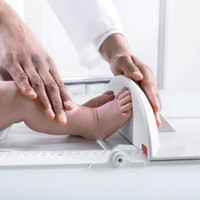 Seca 417 Portable Baby Measuring Board / Infantometer - Smooth foot positioner