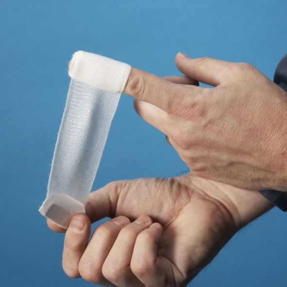 Finger dressing with adhesive trip enabing easy self-application
