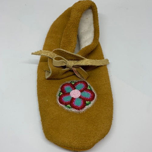 Ladies Size 6 plains style moccasin