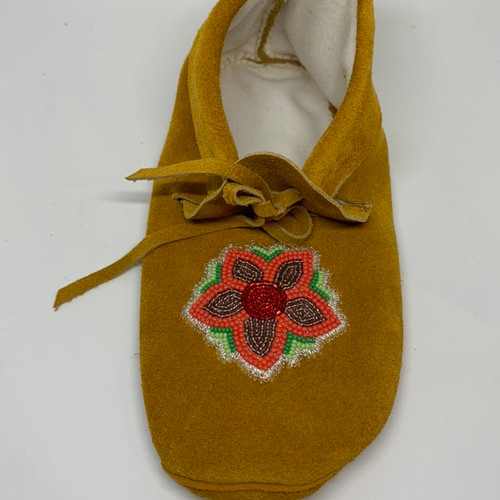 Ladies size 8 plains style moccasin