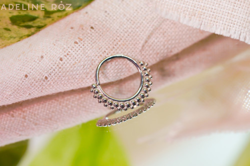 Lagniappe decorative seam ring