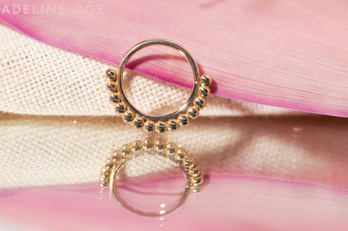 Kula decorative seam ring