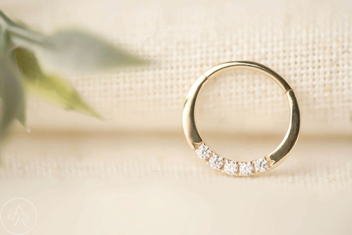 Novel 5 hinge ring