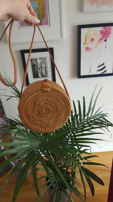round straw crossbody bag Canada are perfect to take to Wasaga beach or blue mountains.