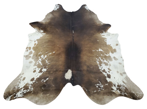 If dreaming layered cowhide rug living room then your are the right spot, hundreds of tricolor patterns for modern decor, these cowhide rugs are large.