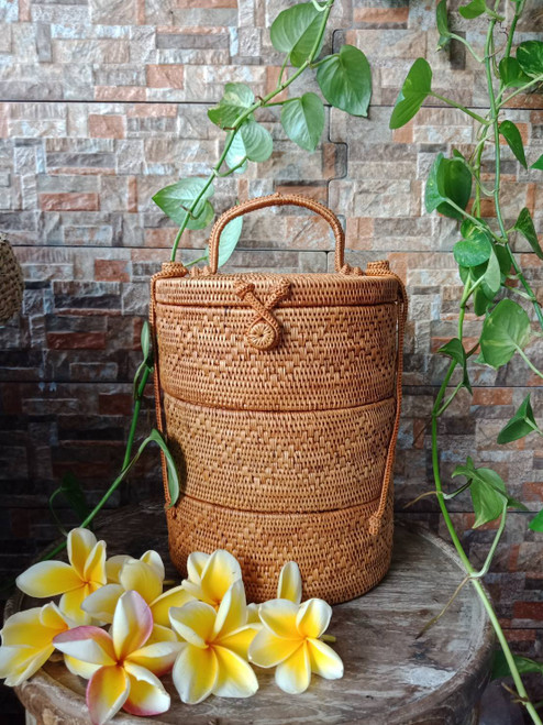 These rattan bagga are perfect for office and home use.