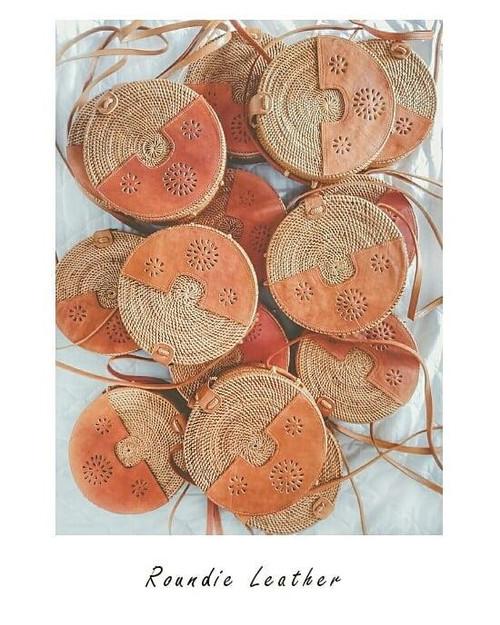 Women Boho Round Rattan Crossbody Bag