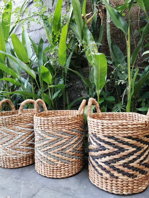 Handwoven baskets by Balinese artisans using rattan pandal leaf, our oragnic handwoven basket will enhance the decor in any room and is great for household items.