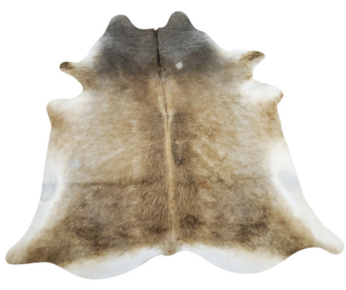 If you enjoy a mix of natural and modern design, tan cowhide rugs are the best choice, it gives a formal touch and modern elegance