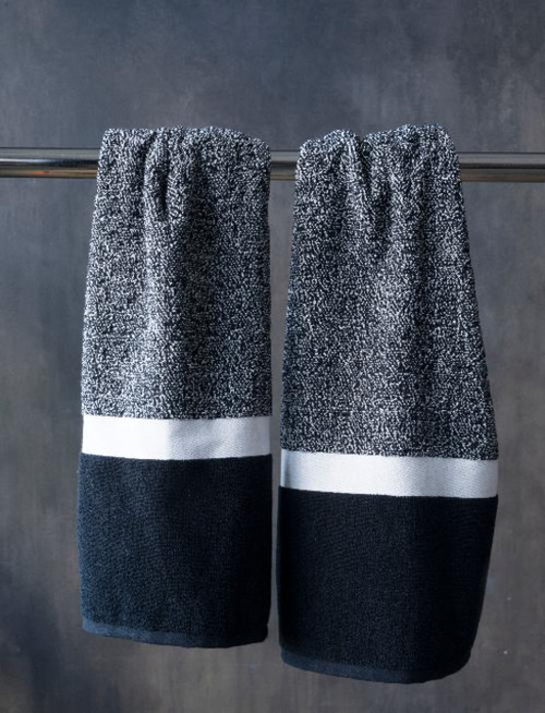 BLACK AND WHITE - HAND TOWEL