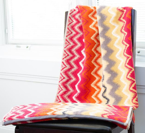 COLOR COMBO INSPIRED BY THE MISSONI COLLECTION BRINGING SPLASH TO ANY DECOR