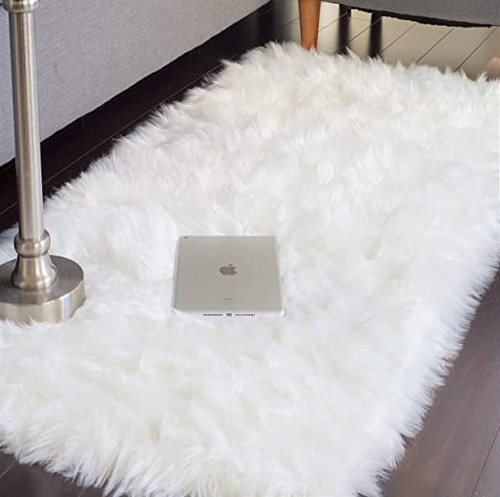 FAUX FUR ASPER BEDROOM RUG