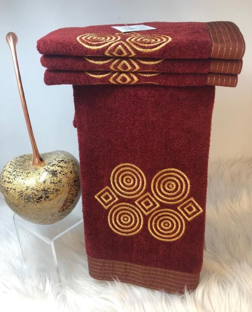 METALLIC CIRCLES HAND TOWELS