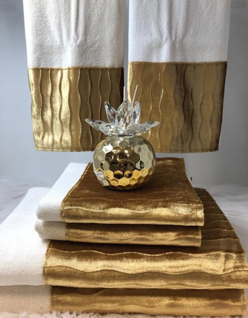 CUSTOM SCALLOPED TOWELS GOLD TOWELS