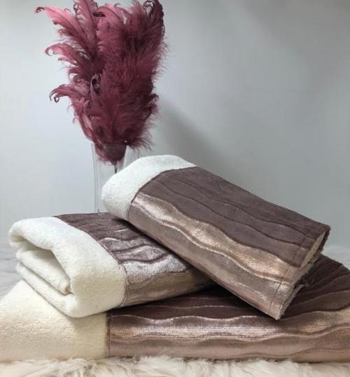 CUSTOM SCALLOPED ROSE TOWELS