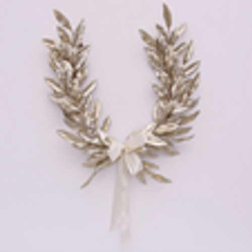 SKU069 Champagne Laurel Leaf Wreath w/Bow