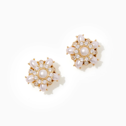 Dreamy Studs   Resort White