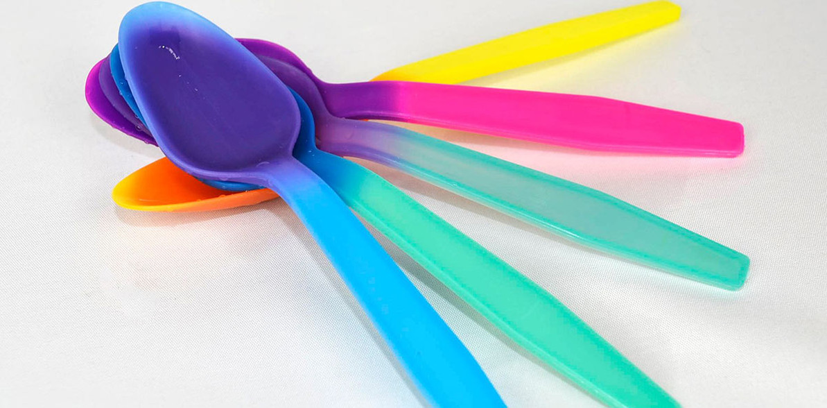 MAGIC Color Changing® Spoons And More!