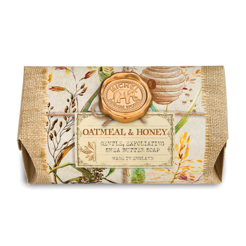 Oatmeal & Honey features a soothing blend of oatmeal and honey with sweet acacia and powdery orange flower.