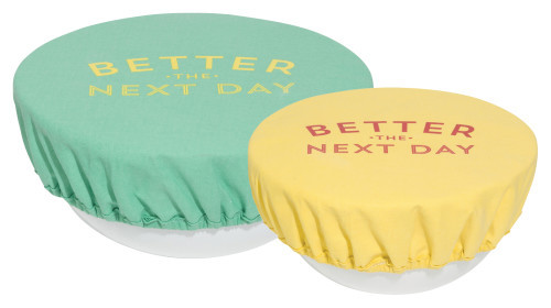 Eliminate the need for plastic wrap by introducing reusable covers for leftovers, batter and more. The lining prevents moisture from escaping and keeps food happy. Remove, machine wash, and repeat! 100% cotton, 50% polyurethane, 50% polyester lining DIA 7.5 inch / DIA 9.25 inch Made in China