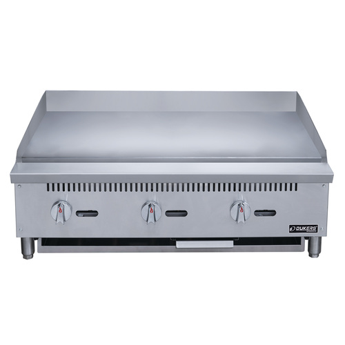 Dukers DCGMA36 36 in. W Griddle with 3 Burners