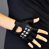 Why are Fingerless Gloves Popular?