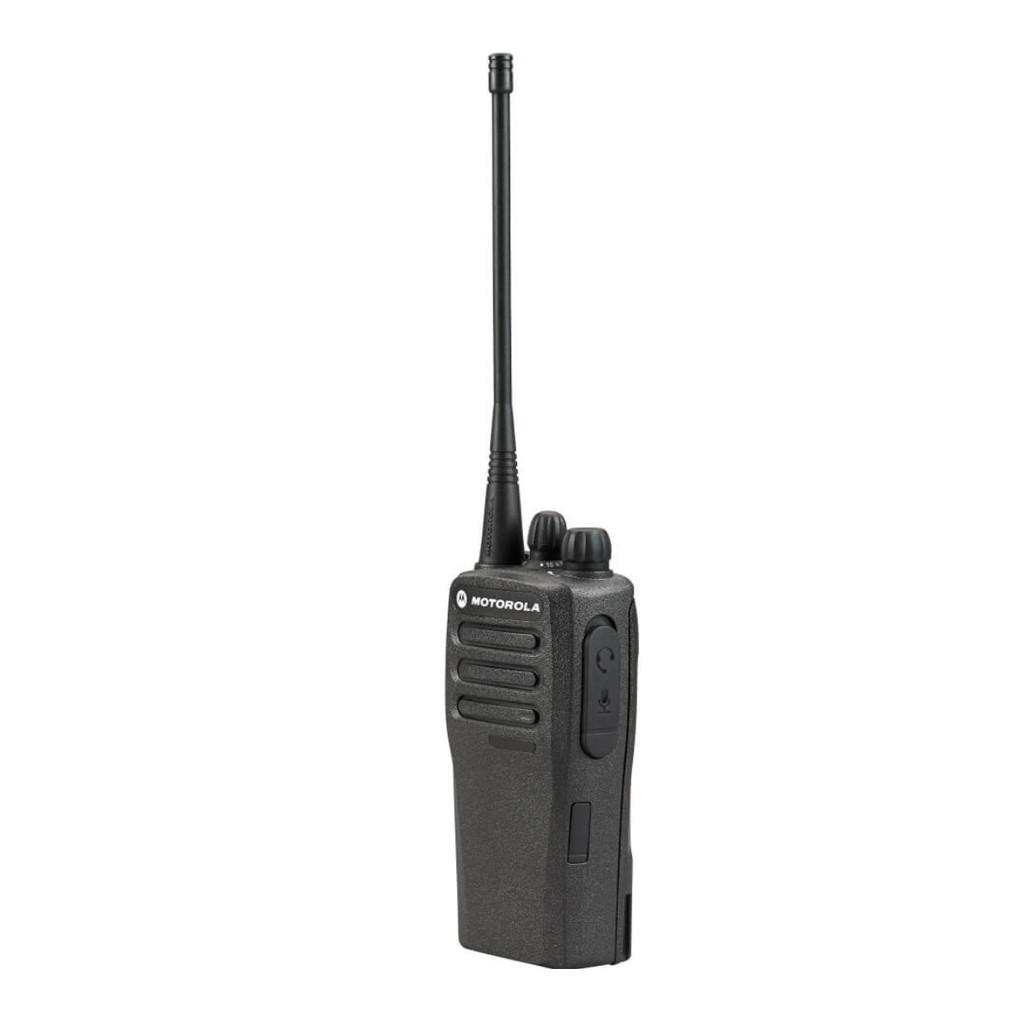 Radio Motorola DEP450 vista frontal con ícono de garantía de fábrica por 24 meses.