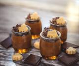 Mousse au chocolat épicée sur gelée à l'érable