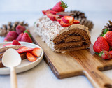 Bûche de Noël choco-fraise et crème glacée Laura Secord