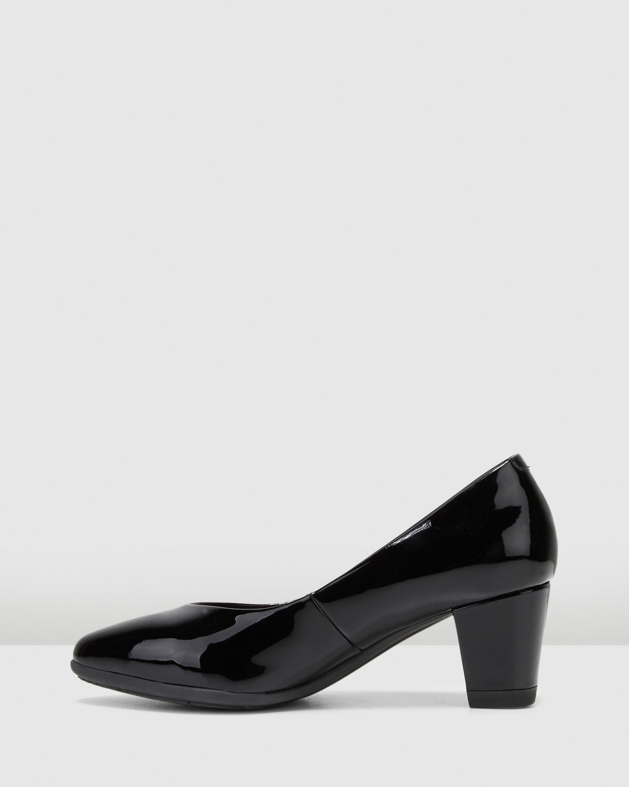 Hush Puppies  THE POINT Black Patent