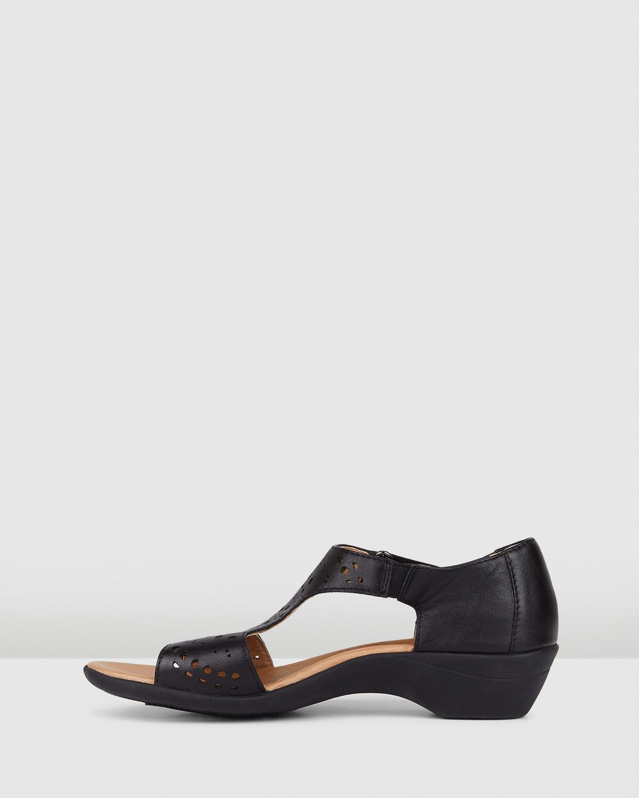 Hush Puppies  ASTER Black