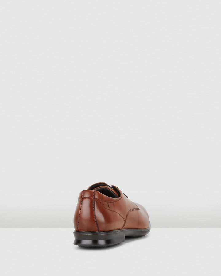 Hush Puppies Cale Tan Burnish