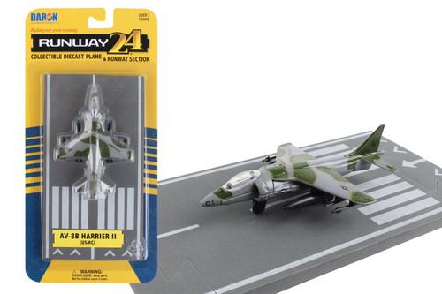 Daron Runway24 AV8B Green Camoflage Diecast vehicle\plane 57531