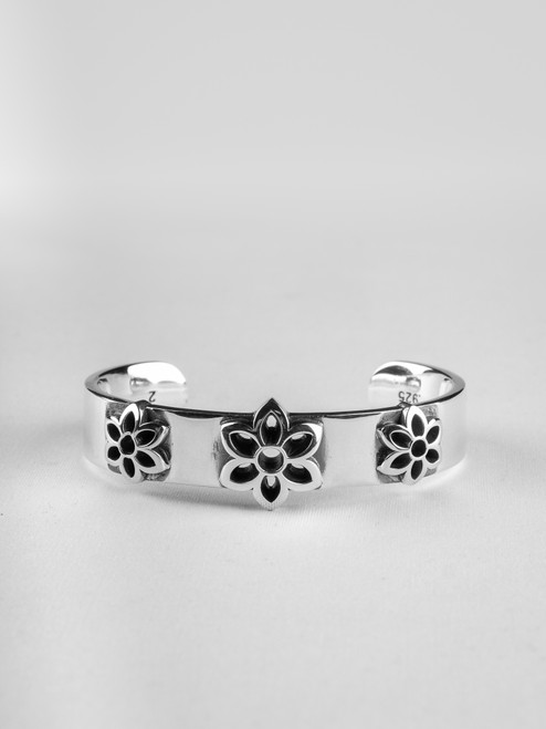 Good Art Sterling Triple Rosette Cuff