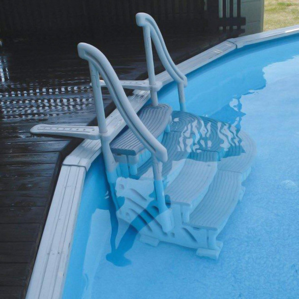 Curve In Pool Step - Actual Photo