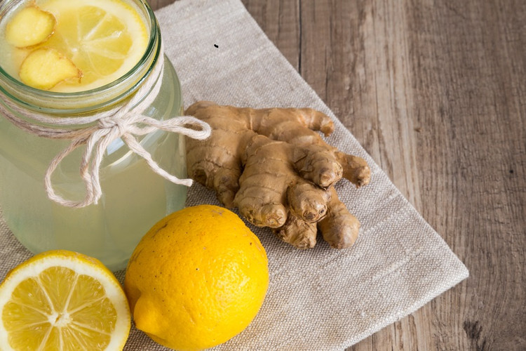 Powerful ginger and lemon shots