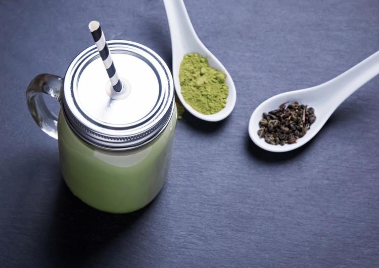 Matcha Green Tea Smoothie  - perfect pick me up!