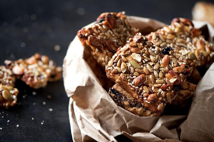 Quinoa & Cacao Energy Bars