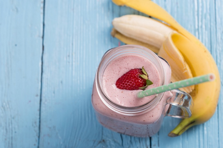 Quick and simple sweet morning smoothie